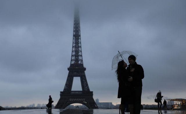Dež v Parizu. Foto Afp