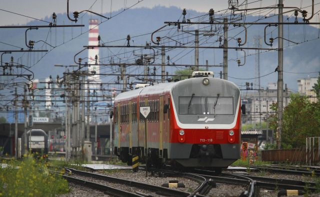V evropski viziji železniškega transporta so državljani na prvem mestu, zato se morajo države članice EU odzvati hitro in implementirati nova pravila. FOTO: Jože Suhadolnik/Delo