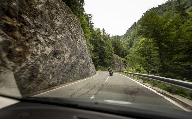 V Zali je že vzpostavljen enosmerni promet. FOTO: Voranc Vogel/Delo