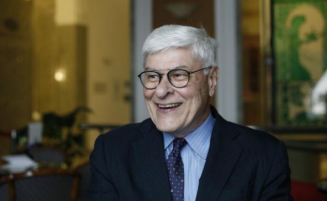 Profesor financ z univerze Yale Roger G. Ibbotson je prepričan, da so delnice na dolgi rok dobra naložba. Najbolj priporoča manj znane in manj razširjene, ker imajo trenutno nižjo ceno in hkrati višje pričakovane donose v prihodnosti. FOTO: Blaž� Samec/Delo