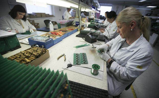 Podjetje dela za medicino, letalstvo, vojsko, računalnike, varilno tehniko. FOTO: Jože Suhadolnik/Delo