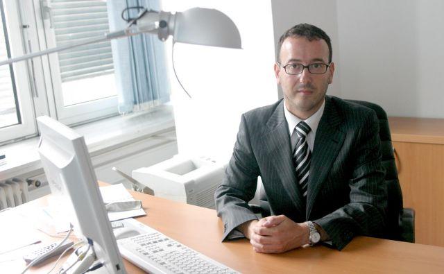 Samo Červek je že vodil revizijsko komisijo, in sicer od julija 2006 do novembra 2008, ko ga je DZ na podlagi odstopne izjave iz osebnih razlogov razrešil. FOTO: Roman Šipić/Delo