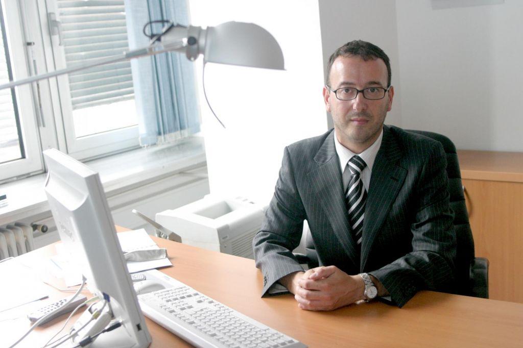 Na čelu Državne revizijske komisije znova Samo Červek