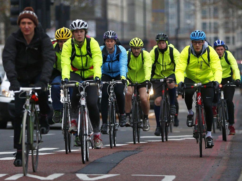 Drago in nevarno  je v naši domovini biti kolesar