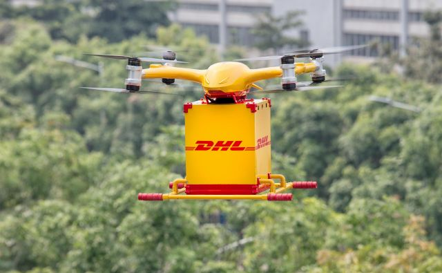 Rešitev dostave z droni zmanjša čas v eno smer s 40 minut na le osem minut in lahko prihrani stroške do 80 odstotkov na dostavo. FOTO: Arhiv DHL