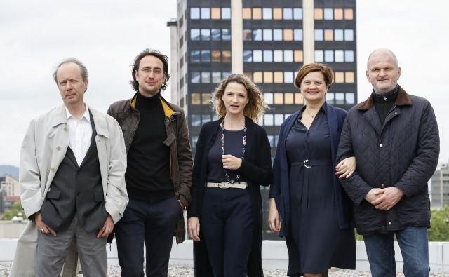 Nominiranci za kresnika: Vladimir P. Štefanec, Mirt Komel, Bronja Žakelj, Mojca Širok in Jani Virk. FOTO: Uroš Hočevar