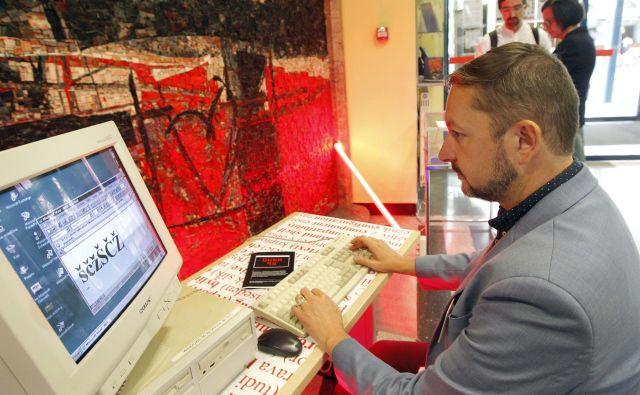 Ker sta se družba in tehnologija korenito spremenili, je malo verjetno, da bodo za online slovenščino še naprej skrbeli entuziasti. FOTO: Mavric Pivk