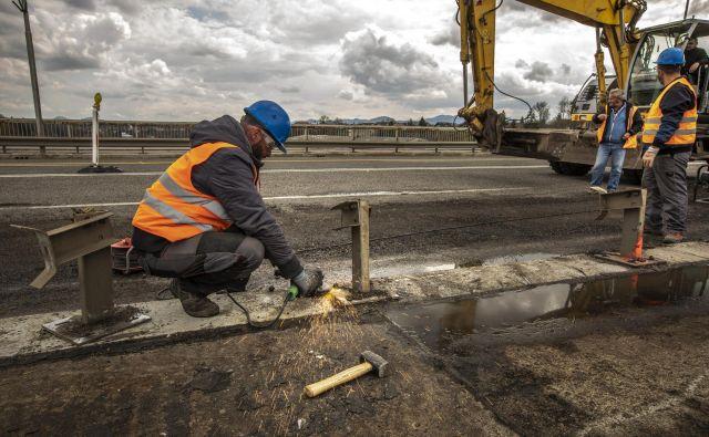 Migranti v Sloveniji najpogosteje delajo v gradbeništvu, proizvodnji in transportu. FOTO: Voranc Vogel
