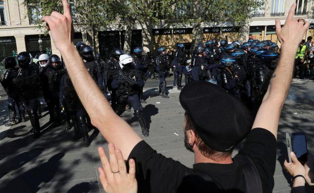 Protesti opozarjajo politike, da so v Evropi potrebne reforme, ugotavlja učenka. FOTO: Reuters