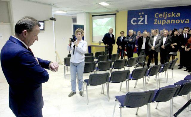 Bojanu Šrotu so očitali, da si je z občinskim glasilom pred lanskimi lokalnimi volitvami naredil reklamo na stroške občinskega proračuna. FOTO: Roman Šipić/Delo