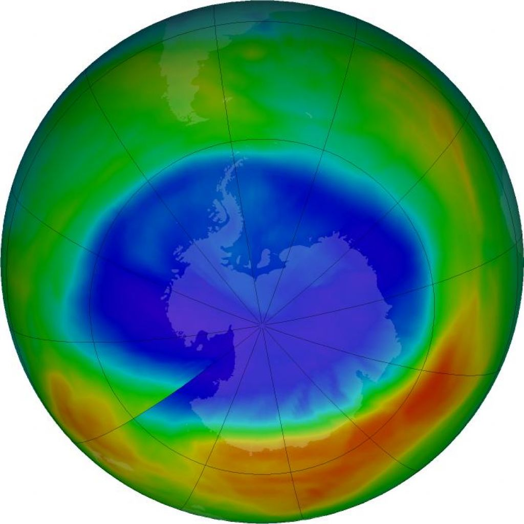 Kitajska znova proizvaja ozonu nevaren plin CFC-11