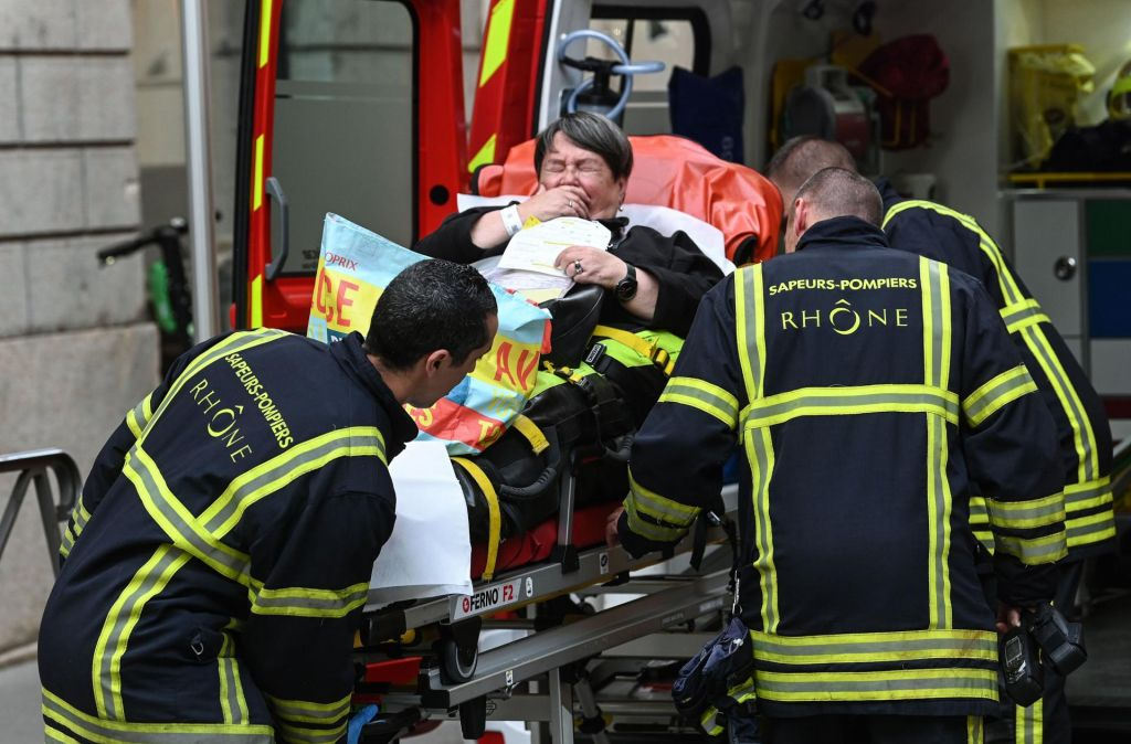 V napadu ranjenih 13 ljudi, tudi osemletna deklica