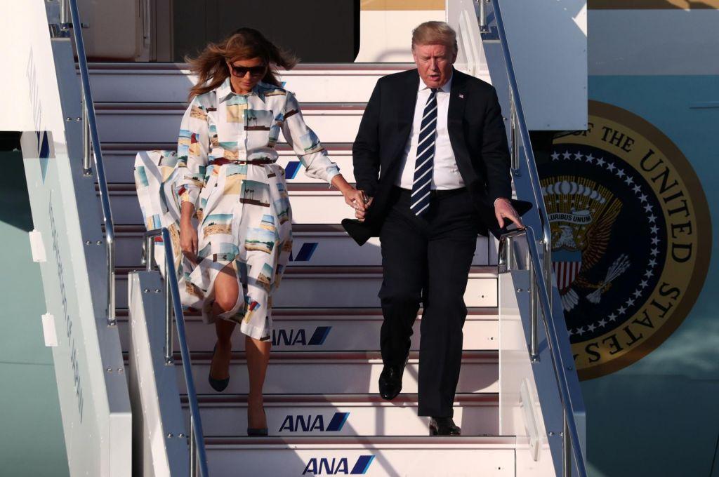 FOTO:Ameriškega predsednika v deželi vzhajajočega sonca spremlja tudi Melania