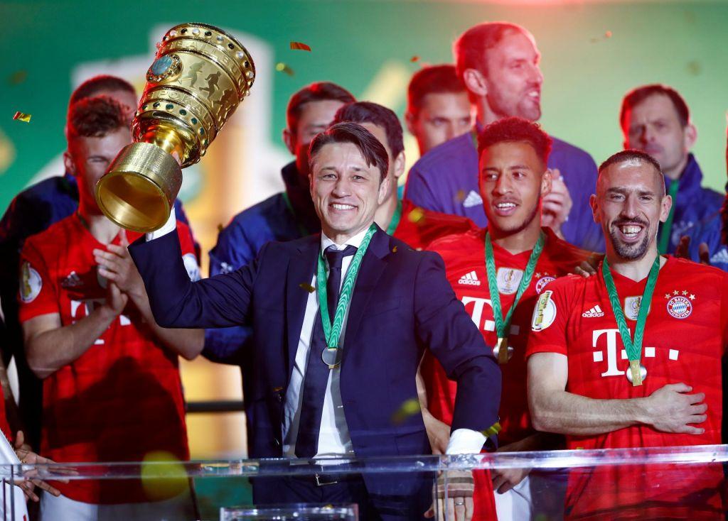 Bayernu dvojna krona, Barceloni le ligaška