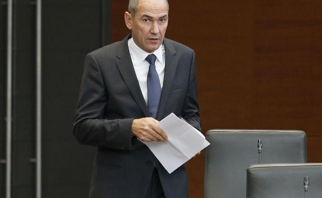 Sodišče SDS zaradi posojil Dijane Đuđić inNovih obzorij marca odmerilo 20.000 evrov kazni.Sodba še ni bila pravnomočna, v SDS so se pritožili. FOTO: Aleš Černivec/Delo