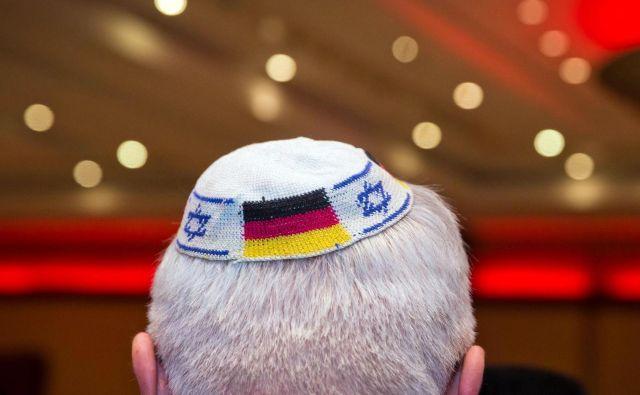 V Nemčiji so lani po podatkih notranjega ministrstva obravnavali za 20 odstotkov več antisemitskih incidentov kot prejšnja leta. FOTO: Frank Rumpenhorst/AFP