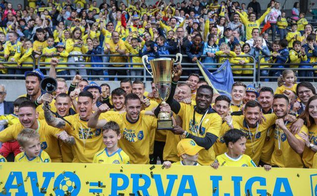 NK Bravo se veseli uvrstitve v prvo ligo. FOTO: Voranc Vogel