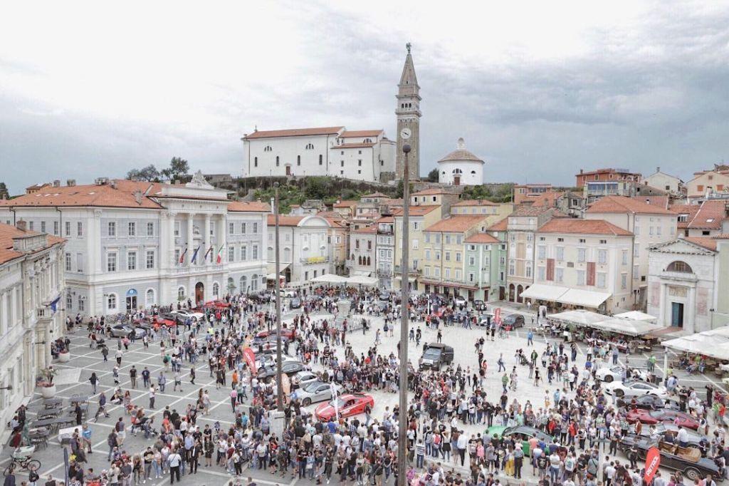 FOTO:Športni avtomobili zavzeli Piran