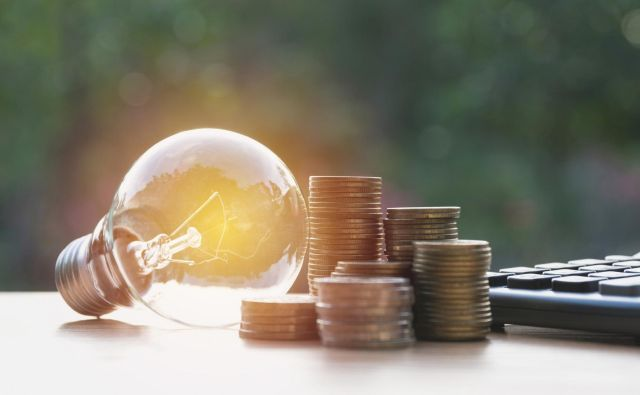 Z izbiro pravega ponudnika lahko trajno znižate račune za elektriko. Foto: Getty Images/istockphoto