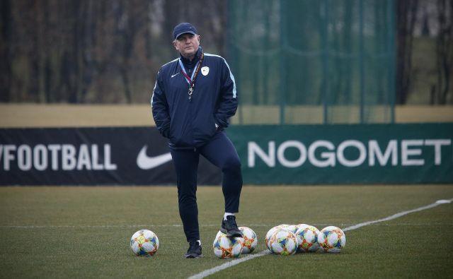 Matjaža Keka in njegove izbrance v izločilnih bojih za EP čakata tekmi na tujem. FOTO: Blaž Samec