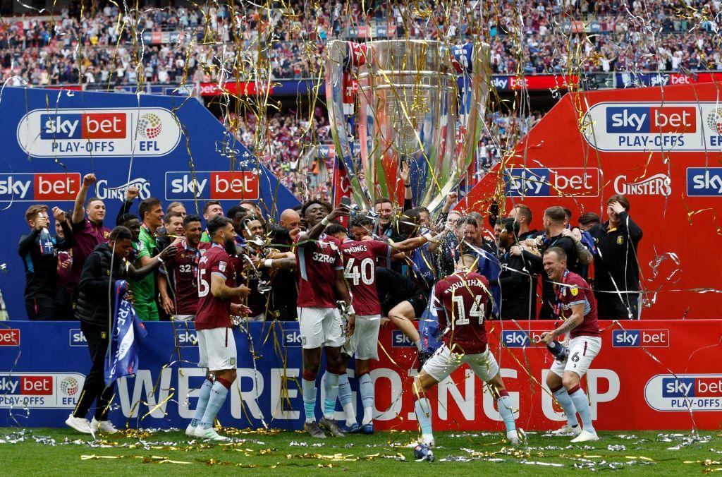 Aston Villa znova med elito