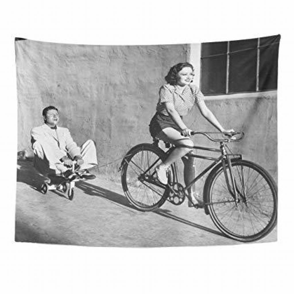 ŽENSKE NA BICIKLU: Kako je slavni Anton Aškerc ženske s koles podil