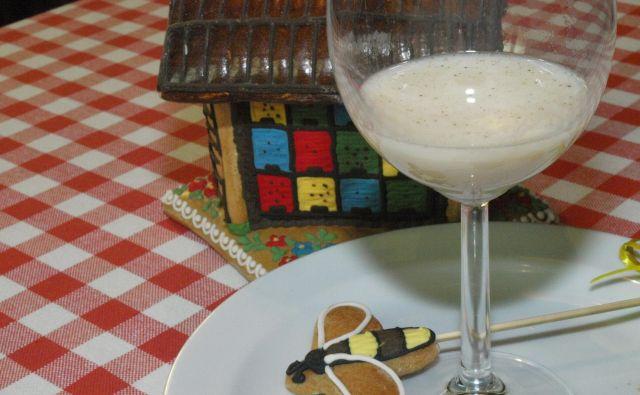 Medeno mleko. Foto: Janko Mavec