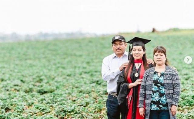 Erici ne bi uspelo brez pomoči staršev, mame Terese in očeta Claudia. Zdaj upa, da bo njena zgodba spodbudila tudi druga dekleta v podobni življenjski situaciji, v kakršni se je znašla sama. FOTO: Instagram E. A.