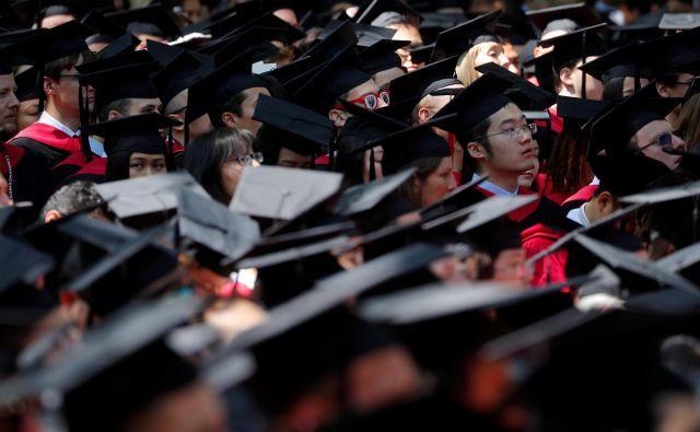Diploma z univerze Harvard je za mnoge Kitajce življenjski cilj. FOTO: Reuters