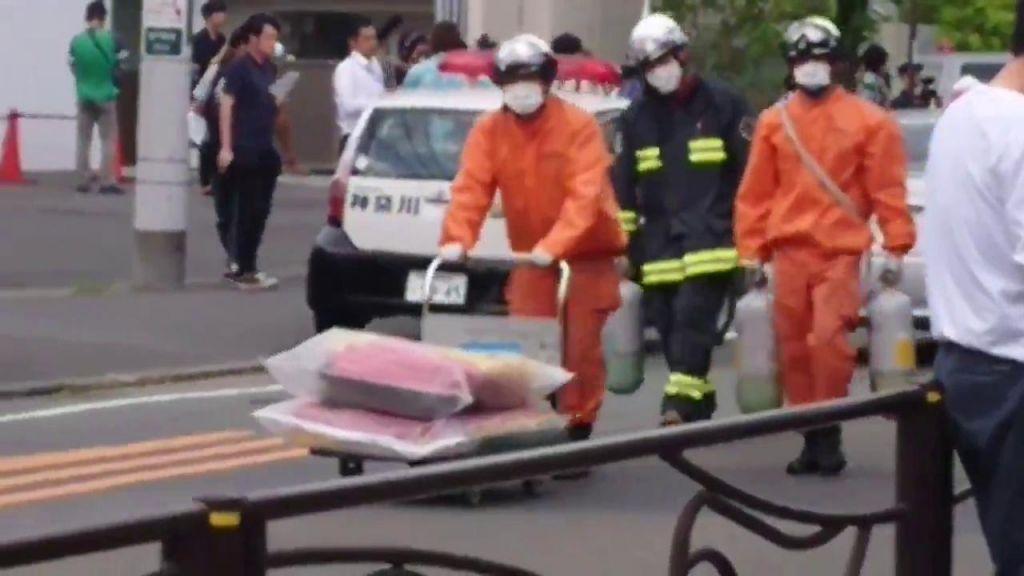 Dvanajstletna deklica je umrla, še 16 deklet ranjenih