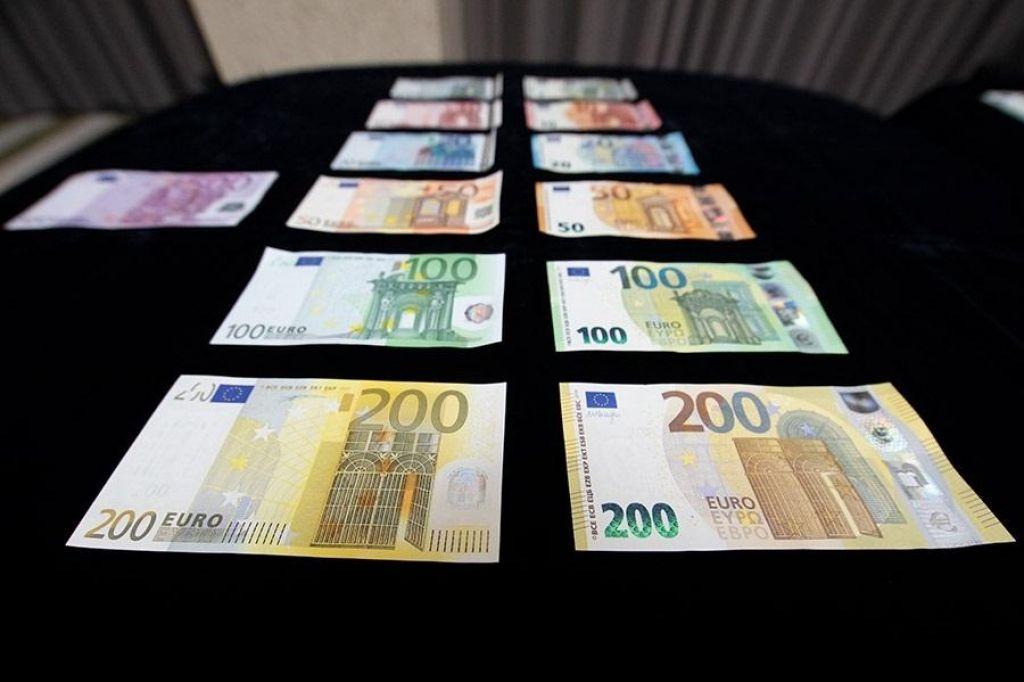 FOTO:Nova bankovca za 100 in 200 evrov bo še težje ponarediti