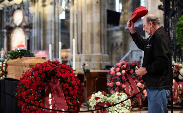 Pogreba se je udeležilo več kot 300 častnih gostov. FOTO: Lisi Niesner/Reuters