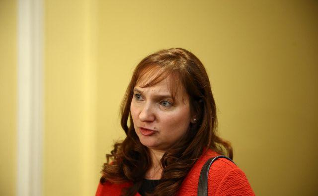 Simona Drenik je zanikala, da bi kdo pred današnjim zaslišanjem nanjo izvajal pritisk. FOTO: Jože Suhadolnik/Delo
