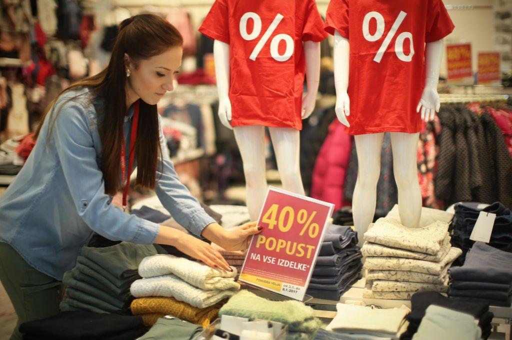FOTO:Prodajalec ostaja glavni poklicni profil v trgovini