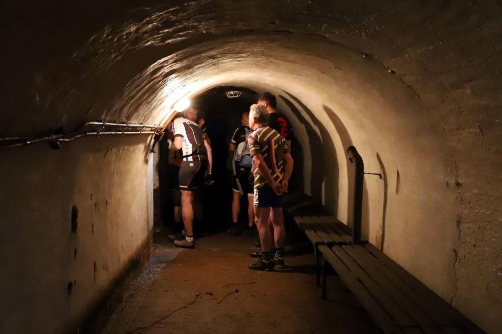 FOTO:Poletov potep: Kolesarska bunker tura ob železni zavesi