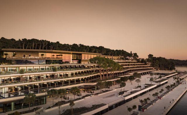 Grand hotel Park se razprostira na 40.000 kvadratnih metrih površine, ponuja 209 sob in suit. FOTO: Maistra