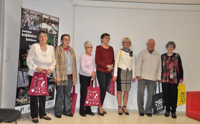 Prvih deset izbranih avtorjev je prejelo lepe nagrade. Foto Arhiv MKL