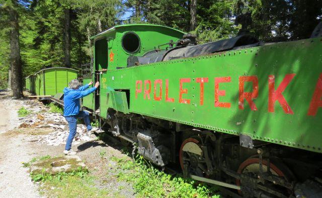 Nekdanji Titov vlak je dobro načel zob časa.