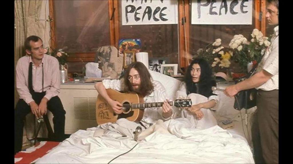 Kako je v hotelski postelji nastala ena najbolj popularnih skladb