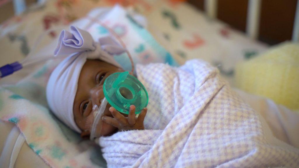 Ob rojstvu je tehtala le 245 gramov in preživela