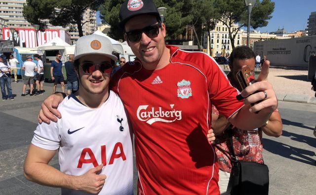 Navijaških izgredov ni bilo, saj so se privrženci Tottenhama in Liverpoola lepo razumeli. FOTO: Aljaž Vrabec