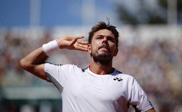 Stan Wawrinka bo v četrtfinalu OP Francije izzval Rogerja Federerja. Njun zadnji pariški dvoboj leta 2015 je dobil v treh nizih in v obupnih hlačah, se spominja Federer. FOTO: Reuters