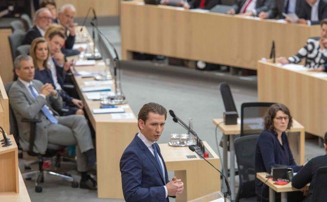 Specializirano tožilstvo za gospodarski kriminal in korupcijo od 20. maja preiskuje možnosti financiranja stranke FPÖ preko društev, na kar se je namigovalo v spornem posnetku. FOTO: Alex Halada/AFP