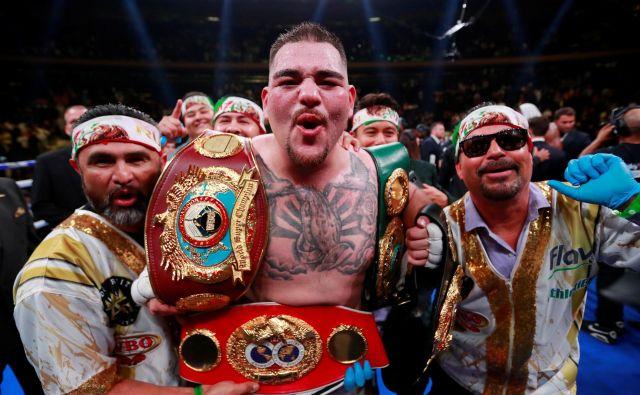 Andy Ruiz ml. je novi svetovni prvak v težki kategoriji po različicah IBF, WBA in WBO. FOTO: Reuters