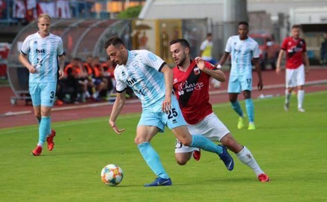 Sežanski nogometaši so senzacionalno poslali tekmece iz Gorice v 2. SNL. FOTO: Facebook NK Tabor Sežana