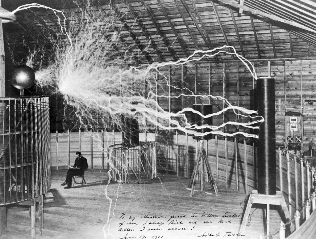 FOTO:Nikola Tesla, mož z žarečimi možgani