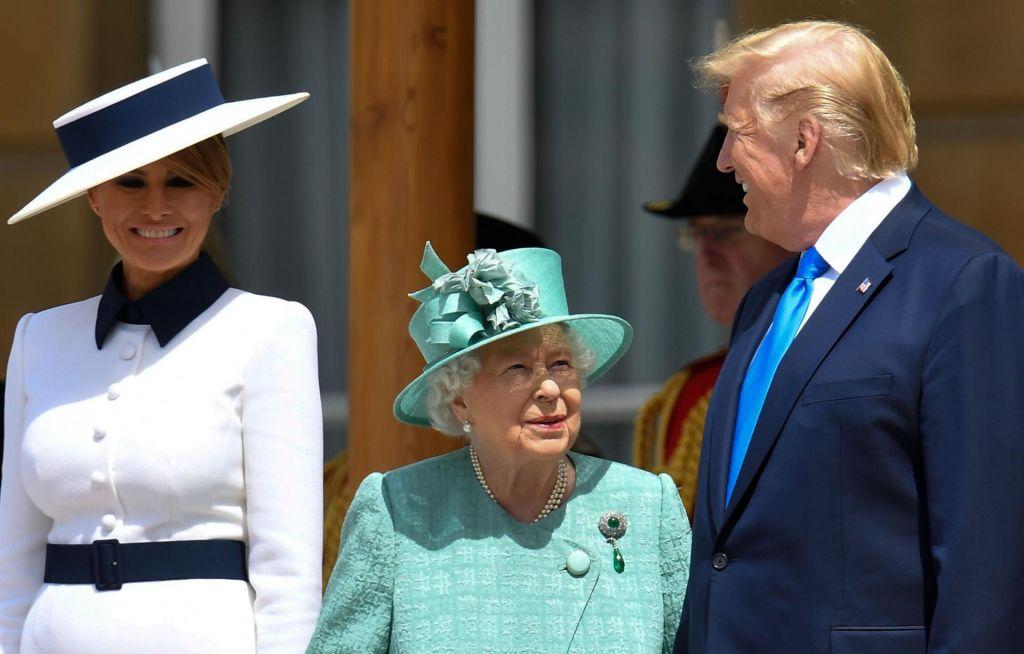 FOTO:Trump obiskal kraljico, pred tem ostro nad londonskega župana