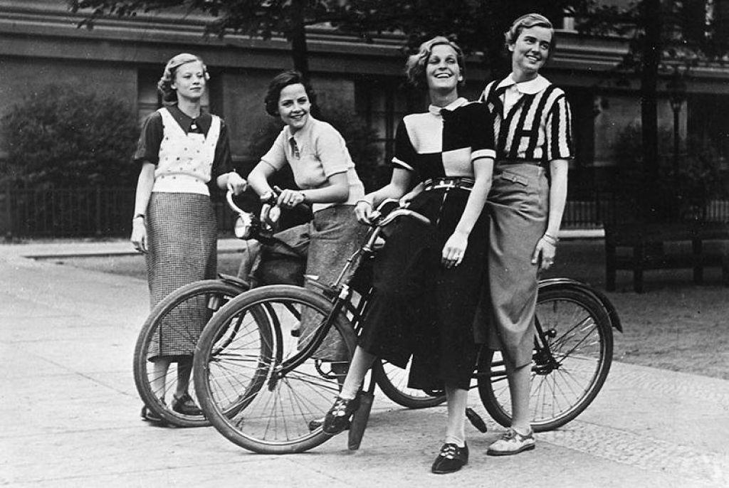 Ženske na biciklu, 5.del: Kolesarka - mati