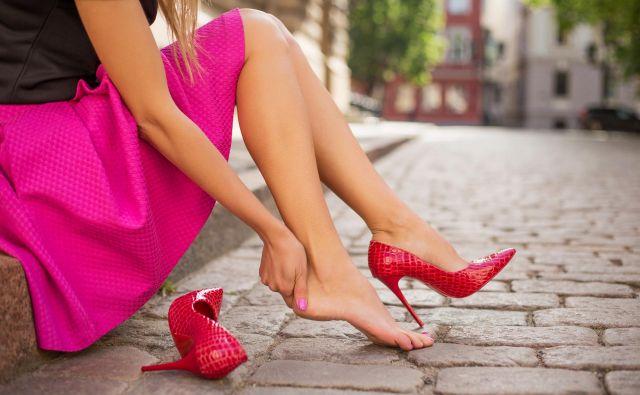 Ni prvič, da so se ženske uprle ter zahtevajo spremembo pravil oblačenja v poslovnem svetu. FOTO: Getty Images/istockphoto
