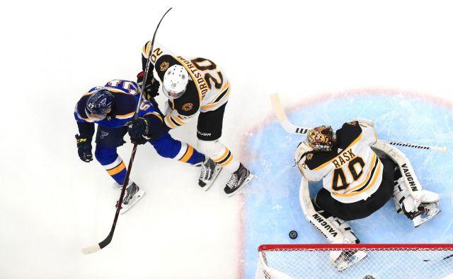 Peta tekma v seriji na štiri zmage bo v noči na petek po slovenskem času v Bostonu. FOTO: Jamie Squire/AFP
